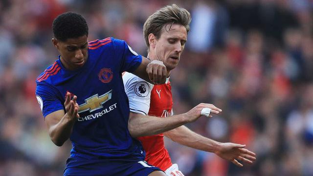 Lịch trực tiếp bóng đá Ngoại hạng Anh vòng 15: Đại chiến kinh điển Arsenal – Man Utd - Ảnh 1.