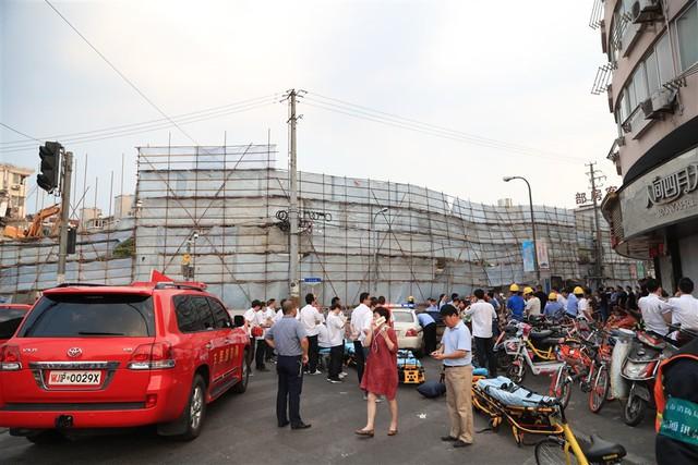 Sập nhà ở Thượng Hải, Trung Quốc: 5 người thiệt mạng - Ảnh 3.