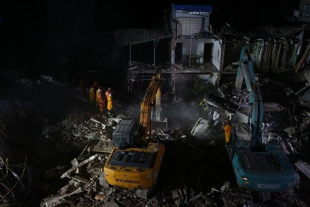 Sập nhà ở Thượng Hải, Trung Quốc: 5 người thiệt mạng - Ảnh 2.