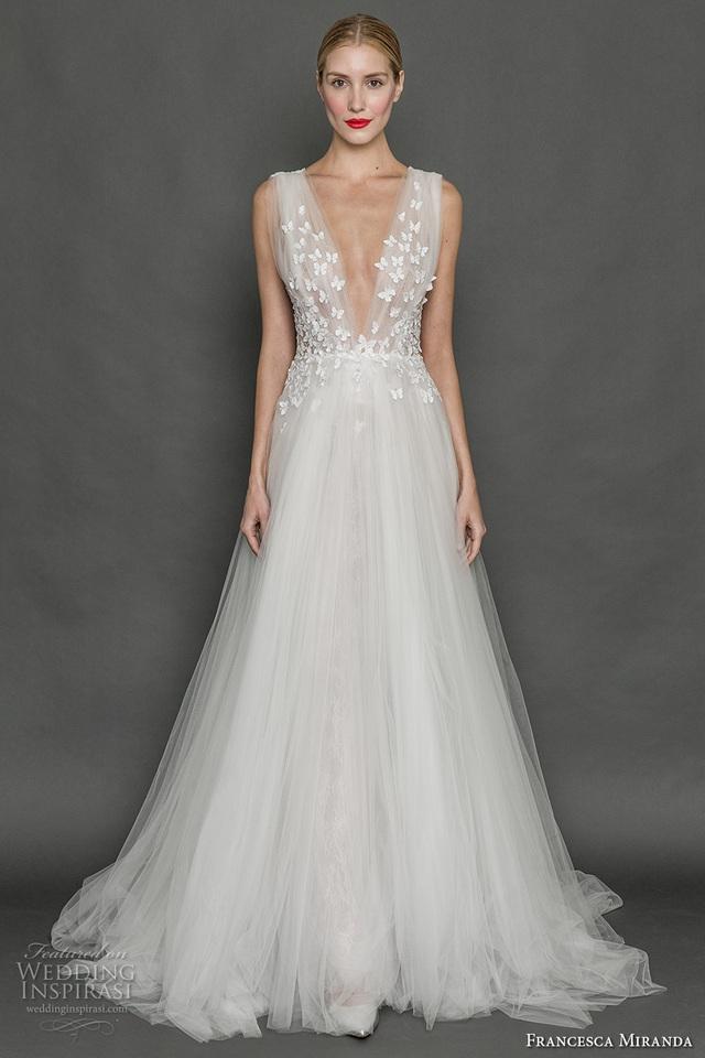 Những mẫu váy cưới tuyệt đẹp cho mùa cưới 2017 - Ảnh 5.