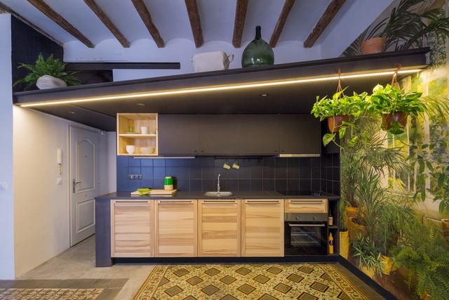 Ngôi nhà 45 m2 ấm áp với sắc màu của gỗ và cây cỏ - Ảnh 2.
