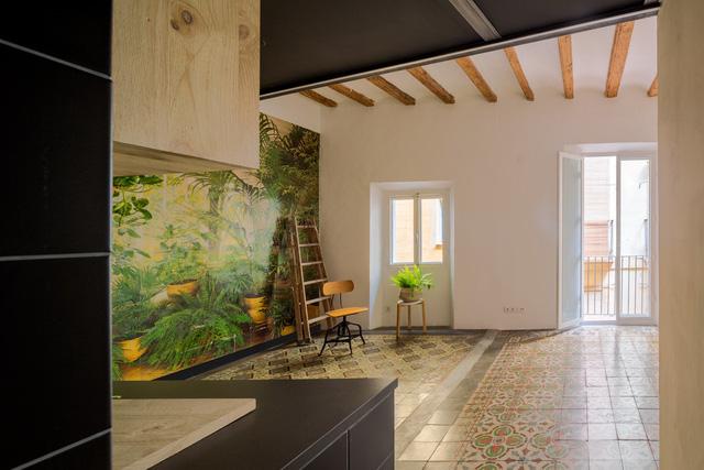Ngôi nhà 45 m2 ấm áp với sắc màu của gỗ và cây cỏ - Ảnh 4.