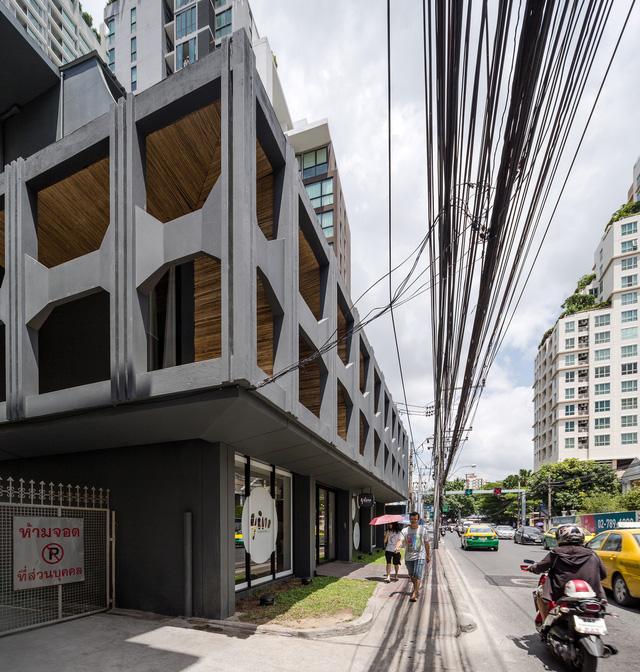 Ấn tượng hostel rực rỡ như thế giới hoạt hình ở Thái Lan - Ảnh 1.