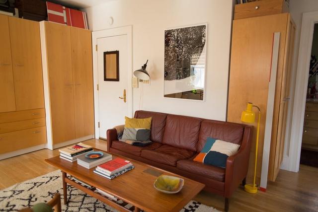 Mê mẩn căn hộ studio nhỏ xinh với nội thất toàn bằng gỗ - Ảnh 1.