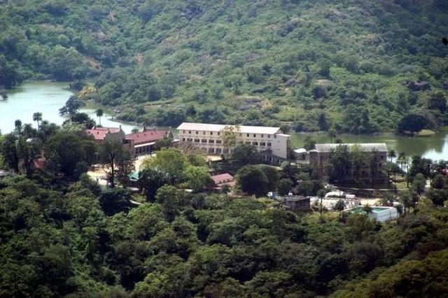 Các trường học có kiến trúc đẹp nhất Ấn Độ - Ảnh 1.