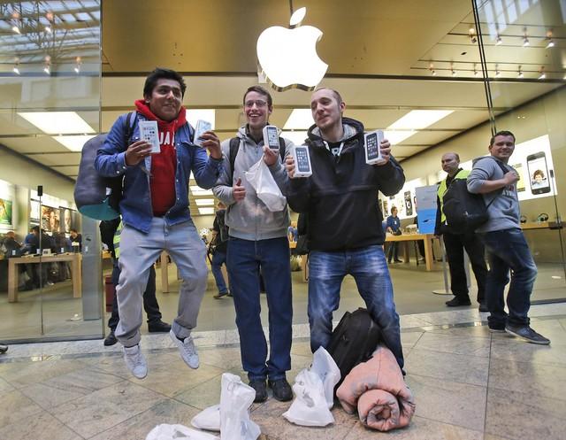 Quên iPhone X và iPhone 8 đi, hãy mua iPhone 7! - Ảnh 1.