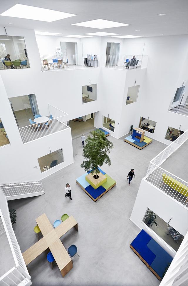 Không gian ấn tượng của trường đại học ở Đan Mạch - Ảnh 10.