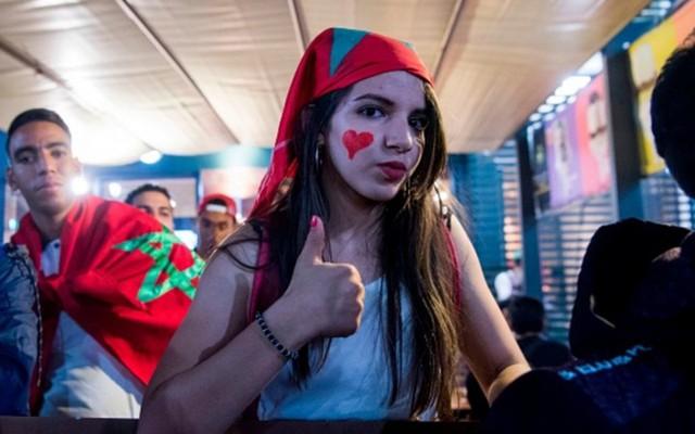 [CHÙM ẢNH] Người dân Maroc tràn xuống đường ăn mừng vé dự World Cup 2018 - Ảnh 10.