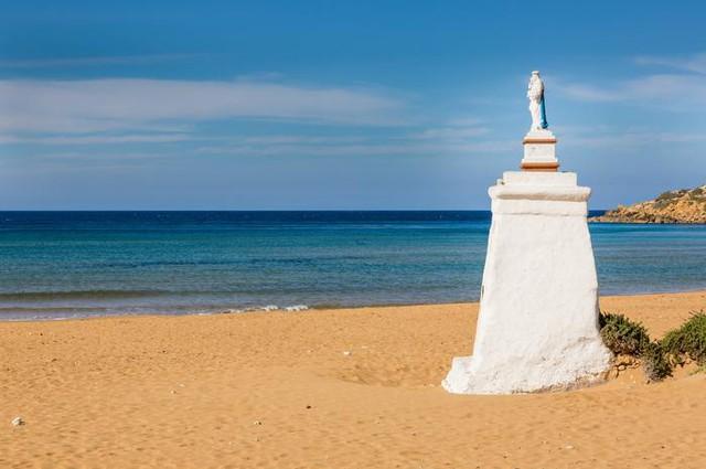 Tròn mắt trước những bãi biển có màu cát lạ ảo diệu - Ảnh 9.