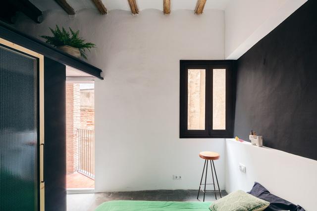 Ngôi nhà 45 m2 ấm áp với sắc màu của gỗ và cây cỏ - Ảnh 8.