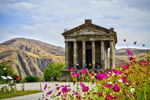 Chiêm ngưỡng những ngôi đền có kiến trúc ấn tượng trên thế giới - ảnh 9