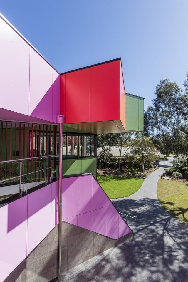 Ấn tượng ngôi trường với không gian ngập tràn sắc màu - Ảnh 4.