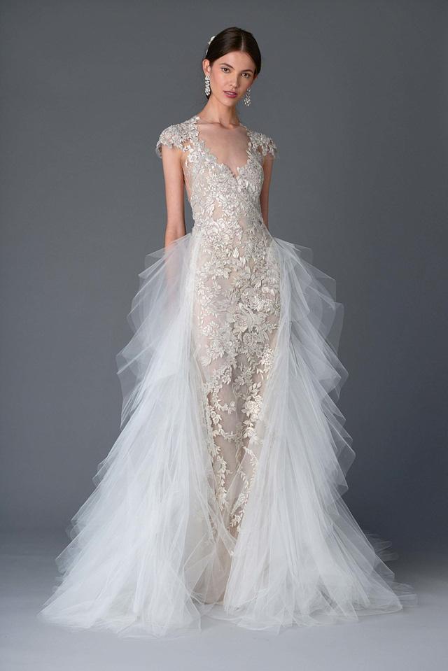 Những mẫu váy cưới tuyệt đẹp cho mùa cưới 2017 - Ảnh 3.