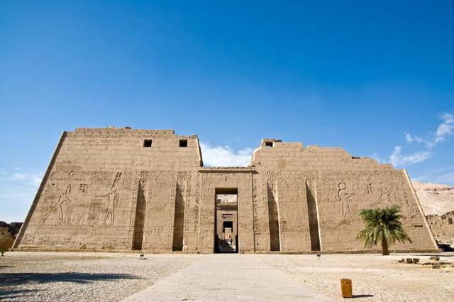 Chiêm ngưỡng những ngôi đền có kiến trúc ấn tượng trên thế giới - ảnh 11
