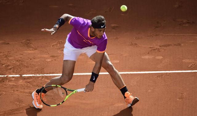Thắng nghẹt thở Dominic Thiem, Rafael Nadal vô địch Madrid mở rộng 2017 - Ảnh 1.