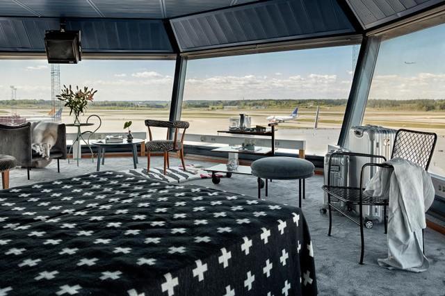 Độc đáo căn hộ mini hiện đại nằm ngay trong... sân bay - Ảnh 2.