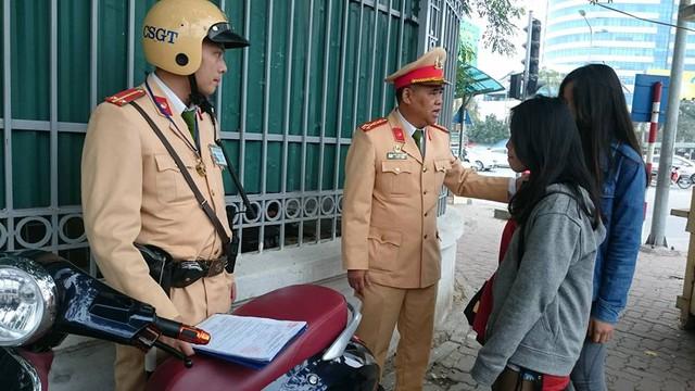 CSGT Hà Nội ra quân đảm bảo thông suốt, an toàn cho người dân quay lại Thủ đô sau kỳ nghỉ Tết - Ảnh 1.