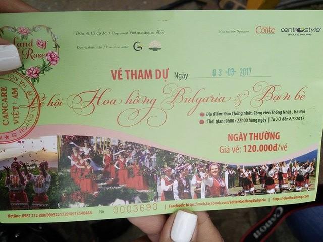 Lễ hội Hoa hồng Bulgaria: Người dân thất vọng tràn trề trong ngày đầu khai mạc - Ảnh 2.