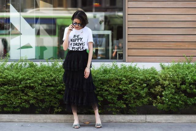 MC Phí Linh biến hóa với phong cách thời trang đa dạng và chất lừ - Ảnh 3.