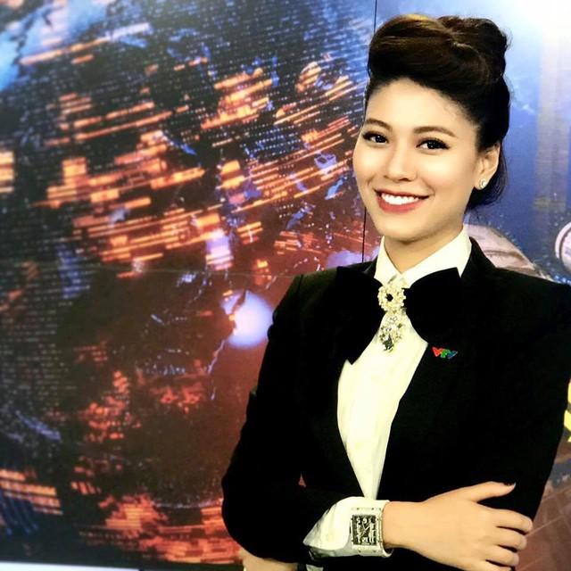 BTV Ngọc Trinh chia sẻ bí kíp diện vest cá tính và quyến rũ - Ảnh 1.