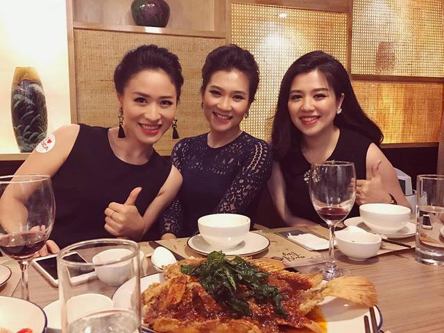 BTV Khánh Trang ghi điểm với gu thời trang thanh lịch, nữ tính - Ảnh 7.