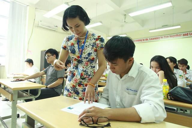 Thí sinh hoàn thành thủ tục dự thi THPT Quốc gia 2017 - Ảnh 2.