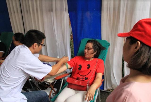 """Ngày hội """"Hiến máu Hạ Hồng"""" tại Bệnh viện Việt Đức - Ảnh 1."""
