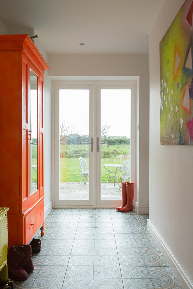Ngôi nhà có không gian đầy rẫy họa tiết ấn tượng - Ảnh 2.