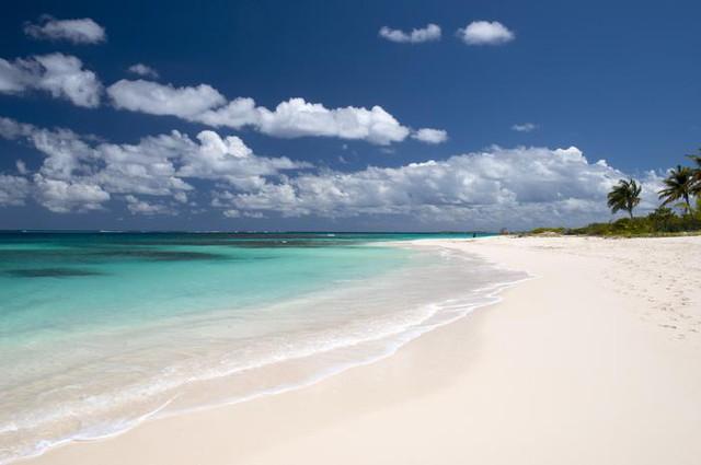 Những bãi biển đẹp mê hoặc ẩn mình ở nơi ít người biết - Ảnh 2.