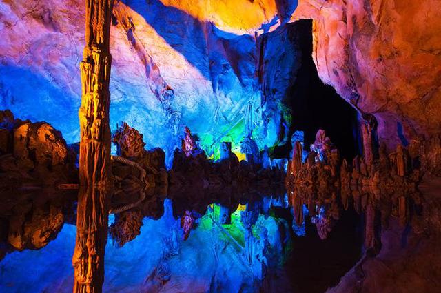 Địa đạo Củ Chi là một trong những điểm đến dưới lòng đất thú vị nhất thế giới - Ảnh 2.