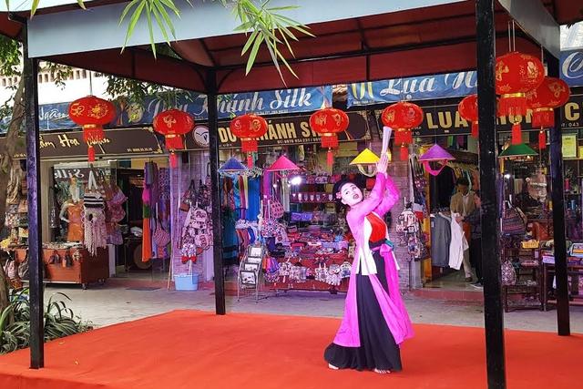 Vạn Phúc: Đẩy mạnh quảng bá du lịch tại làng nghề truyền thống - Ảnh 1.