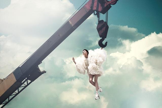 Thót tim những màn phiêu trên không trung của 8 mùa Vietnams Next Top Model - Ảnh 2.
