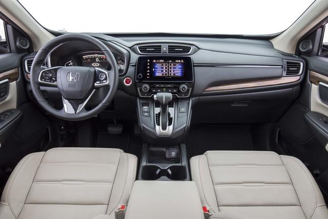 10 mẫu xe bán chạy nhất tháng 9/2017: Cú sốc mang tên Honda CR-V - Ảnh 1.