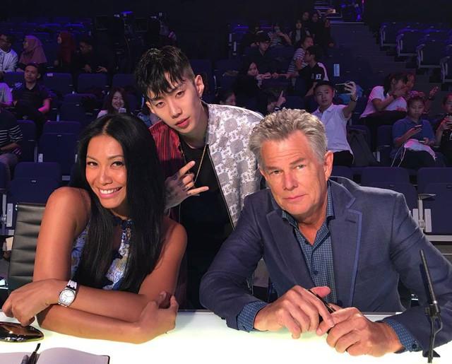 Bộ ba giám khảo Asias Got Talent 2017 gần gũi và hài hước ở hậu trường - Ảnh 5.