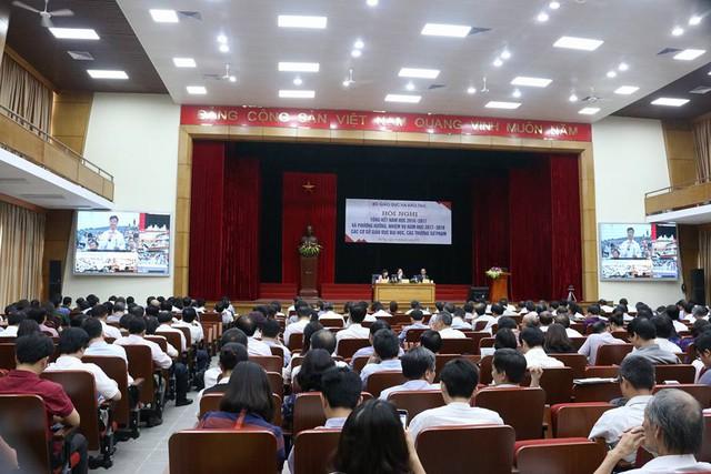 Bộ GD&ĐT quyết tâm xây dựng chuẩn trường sư phạm - Ảnh 2.
