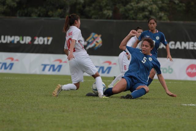 Bóng đá nữ SEA Games 29: Việt Nam 3-0 Philippines - Mệt nhưng đáng! - Ảnh 1.