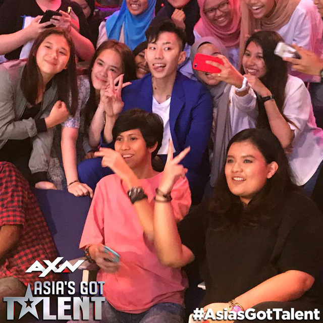 Bộ ba giám khảo Asias Got Talent 2017 gần gũi và hài hước ở hậu trường - Ảnh 2.