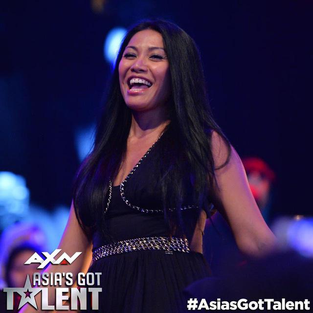 Bộ ba giám khảo Asias Got Talent 2017 gần gũi và hài hước ở hậu trường - Ảnh 3.