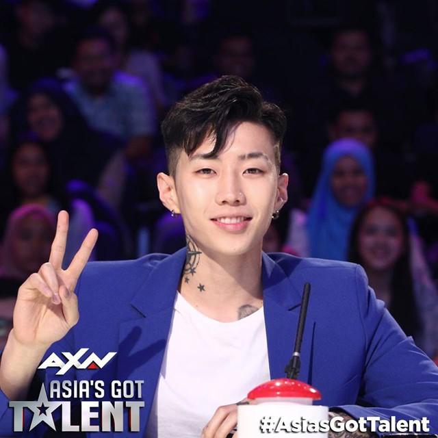 Bộ ba giám khảo Asias Got Talent 2017 gần gũi và hài hước ở hậu trường - Ảnh 4.