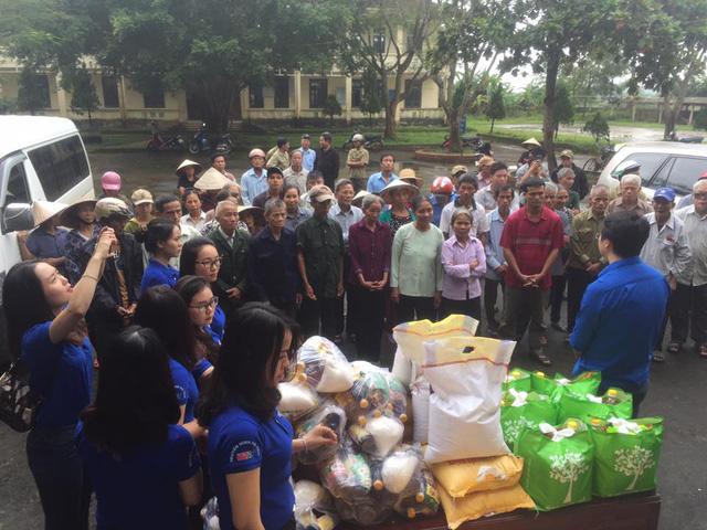 Đoàn thanh niên VTV8 với chiến dịch Chung tay vì đồng bào miền Trung - Ảnh 6.