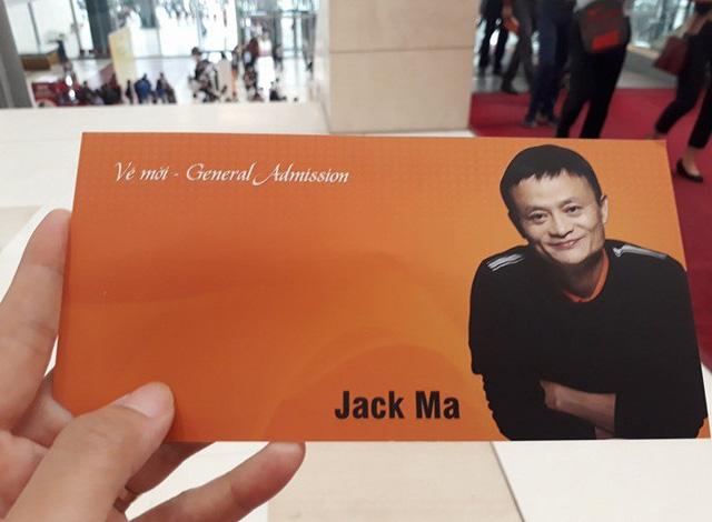 Jack Ma: Hãy trao cơ hội cho những người trẻ! - Ảnh 1.