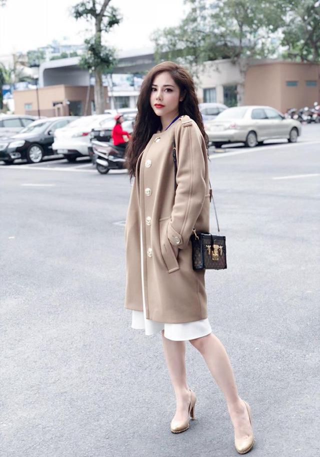 MC Lan Phương mách cách chọn váy ăn gian cho vóc dáng nhỏ bé - Ảnh 1.
