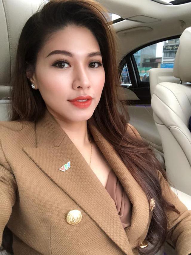 BTV Ngọc Trinh chia sẻ bí kíp diện vest cá tính và quyến rũ - Ảnh 4.