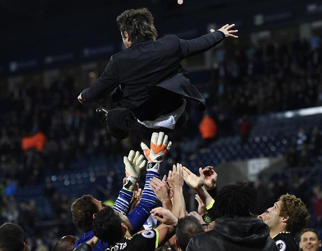 HLV Conte tiết lộ bí kíp giúp Chelsea vô địch Ngoại hạng Anh - Ảnh 1.