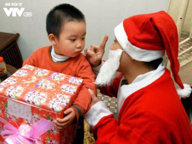 Câu chuyện về những nghề đặc biệt mùa Giáng sinh - Ảnh 4.