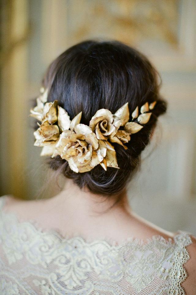 Phụ kiện cài tóc giúp cô dâu thêm tỏa sáng trong ngày cưới - Ảnh 5.