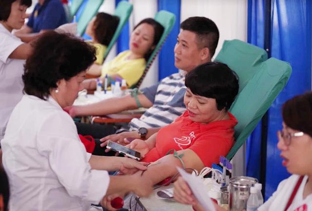 """Ngày hội """"Hiến máu Hạ Hồng"""" tại Bệnh viện Việt Đức - Ảnh 3."""
