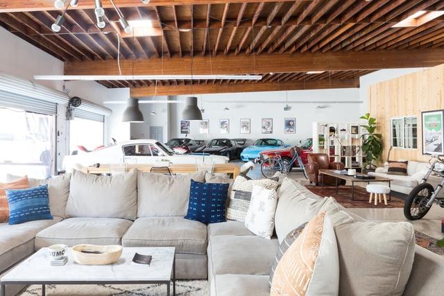 Độc đáo garage được hô biến thành nhà ở siêu đẹp - Ảnh 3.