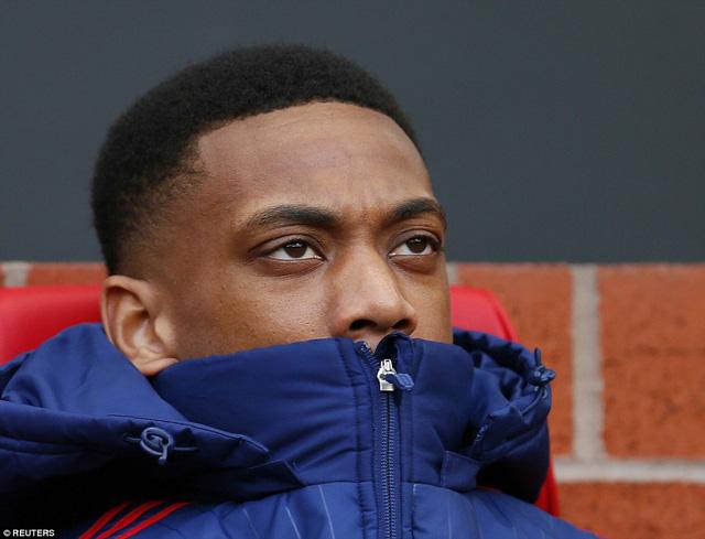 """Mourinho cảnh báo Martial: Theo tôi hoặc là """"ra đường""""? - Ảnh 2."""