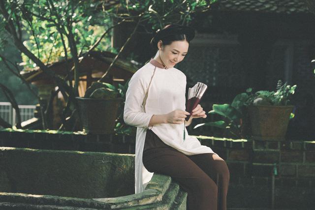 Hot girl Đi qua mùa hạ Quỳnh Kool mong manh, e ấp trong tà áo dài - Ảnh 7.